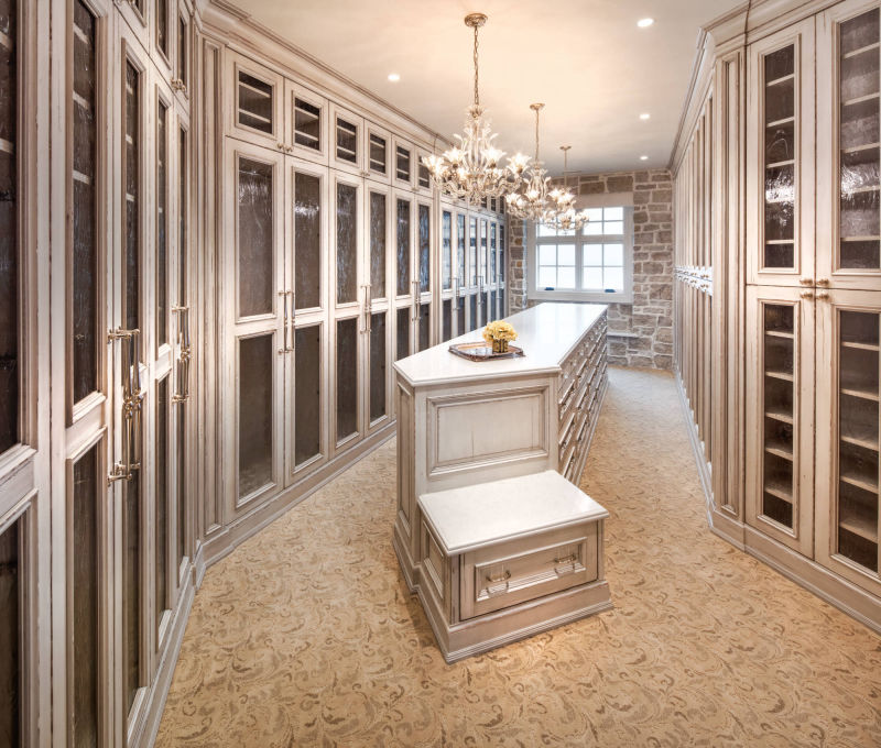Ladies Closet by Alan Blakely Architectural Photography