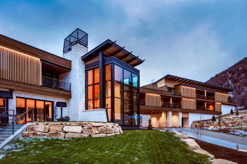 Blue Sky Lodge by Alan Blakely Architectural Photography