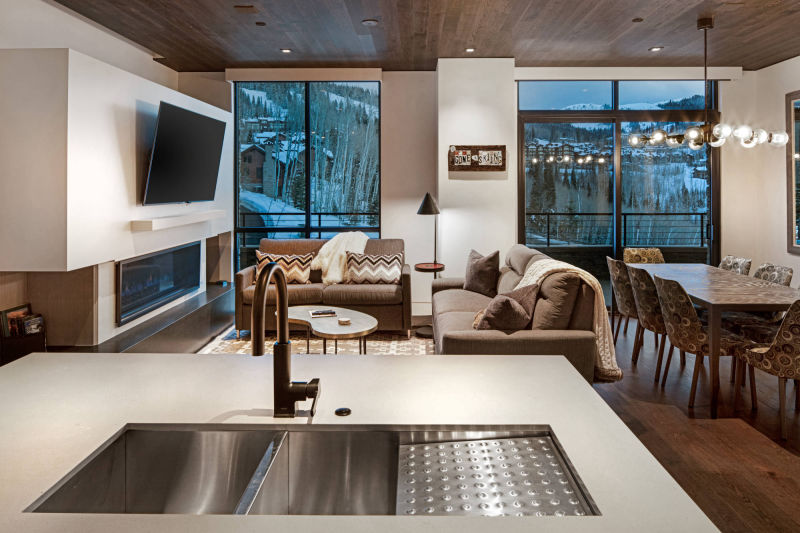 One Empire Pass at Deer Valley Resort by Alan Blakely Architectural Photography